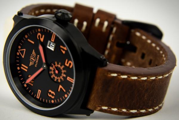 Armbanduhr FLIEGER mit Lederarmband