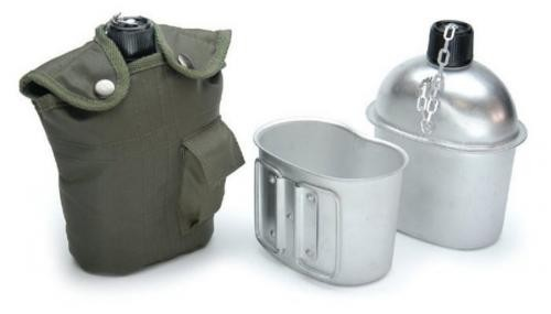 US Feldflasche mit Trinkbecher